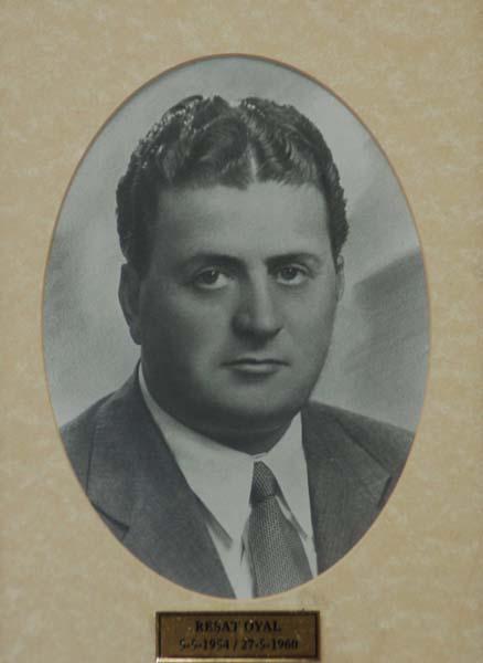 src=idr/baskanlar/REŞAT-OYAL-1954-1960.jpg