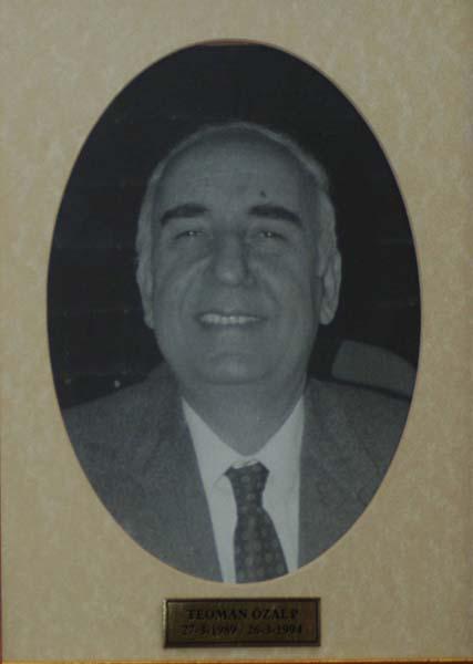 src=idr/baskanlar/TEOMAN-ÖZALP1989-1994.jpg
