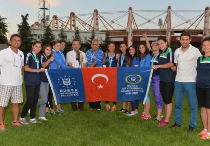 Büyükşehir'in atletleri Türkiye 3.'sü