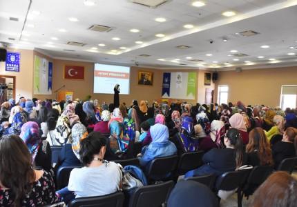 KENT KONSEYİ'NİN KONUĞU TONGAR'DAN ANNELERE ALTIN ÖĞÜTLER