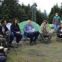 Başkan Aktaş, ateş başında gençlerle sohbet etti