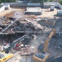 BUSKİ yerleşkesindeki riskli yapı yıkıldı
